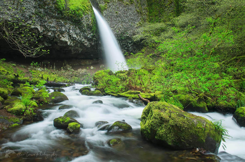 Ponytail Falls Columbia River Gorge