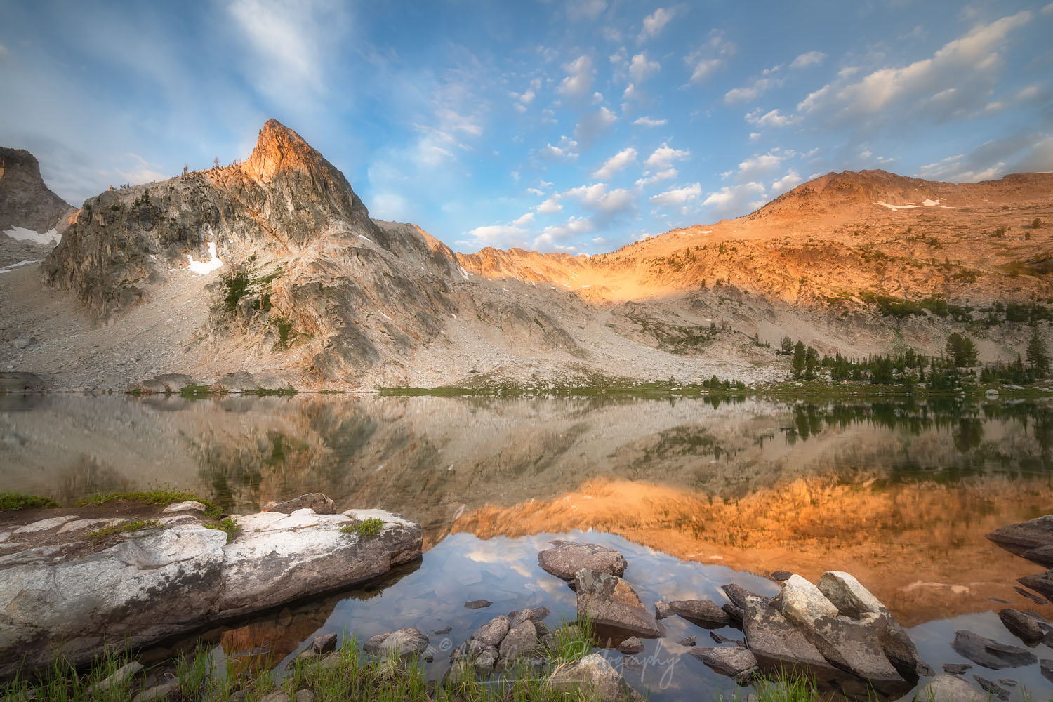 Twin Lakes Alice-Toxaway Lakes Loop Trail Sawtooth Mountains